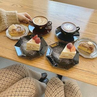 COFFEE&DONUTS 5