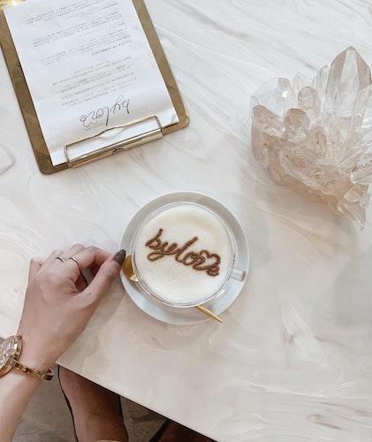 vegan cafe by love