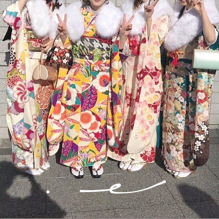 【成人式】派手いろ着物
