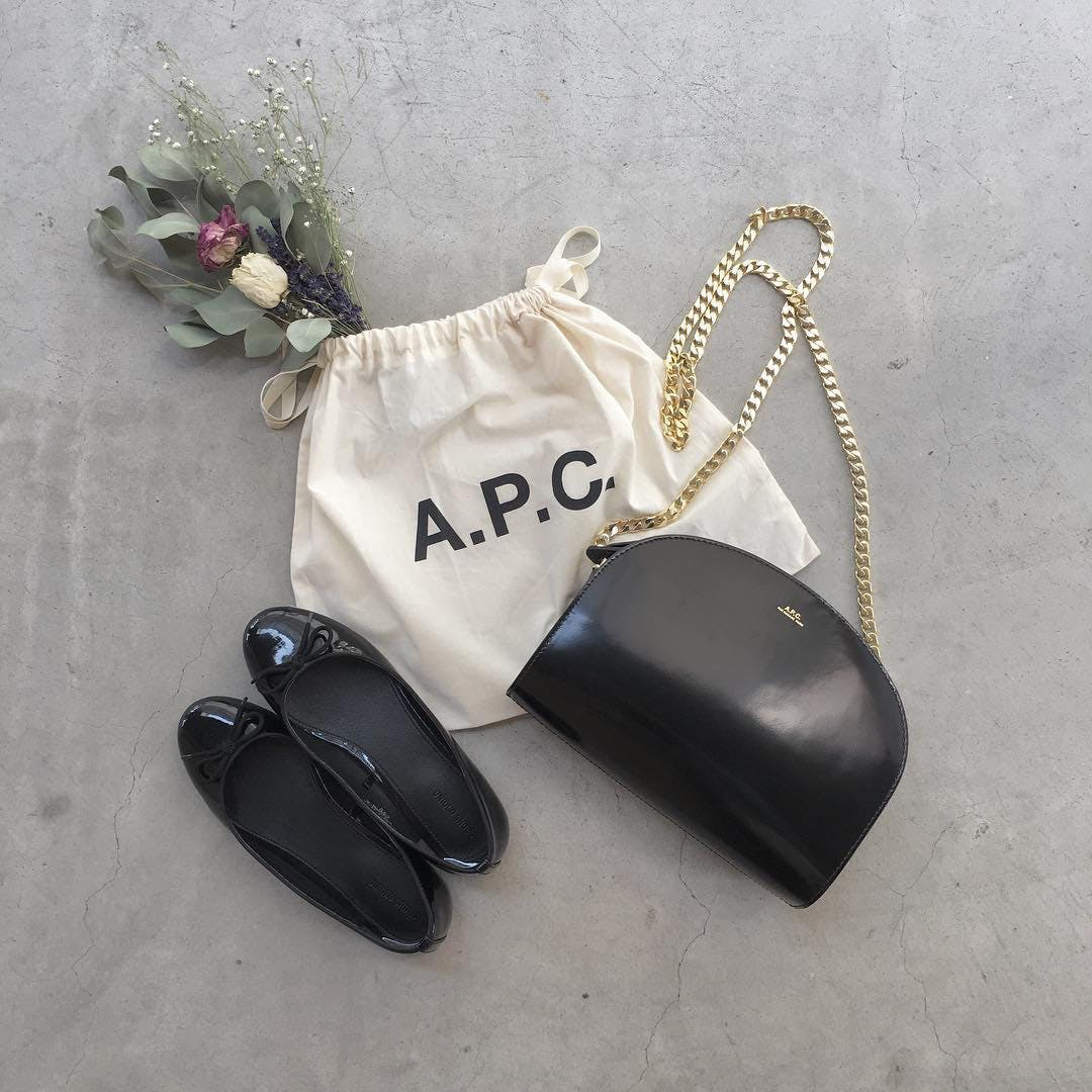 APCハーフムーンバッグ