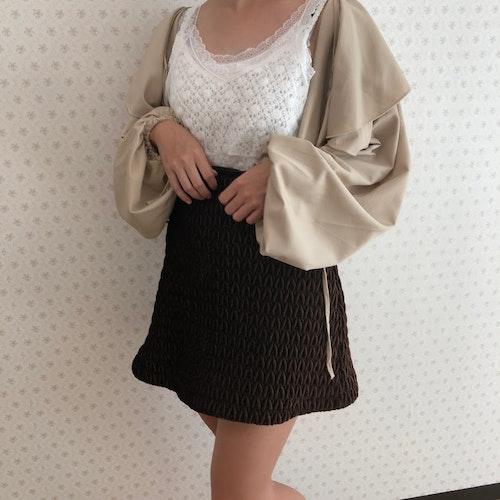 コットンレースドッキングキャミ ¥2,290 (SALE対象商品) チュールぺプラムキャミビスチェ(ホワイト) ¥2,490 ラッフルショートブルゾン(ベージュ) ¥5,990 キルティング台形スカート 近日発売予定