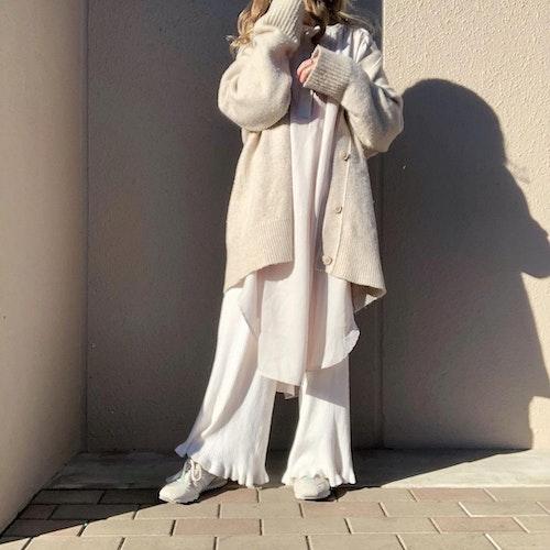 冬のオールホワイトコーデ