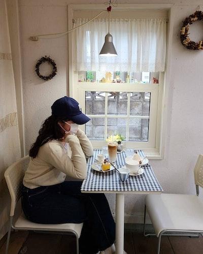 patisserie cafe feve