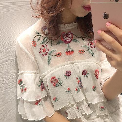 透け×刺繍