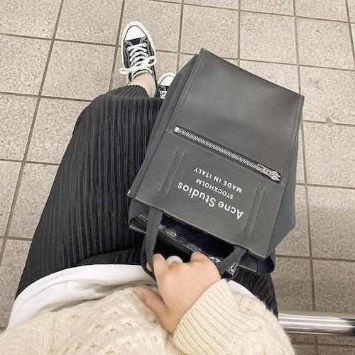 Acne Studiosのトートバッグ