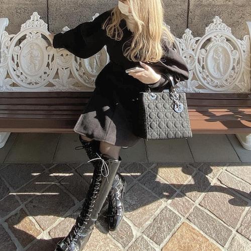冬のオールブラックコーデ