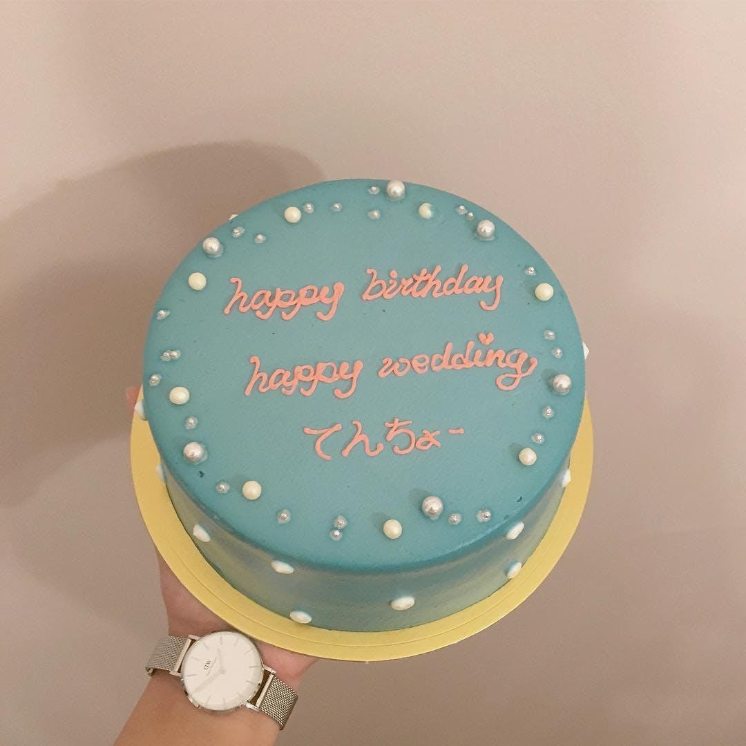 カラフルデコレーションケーキ