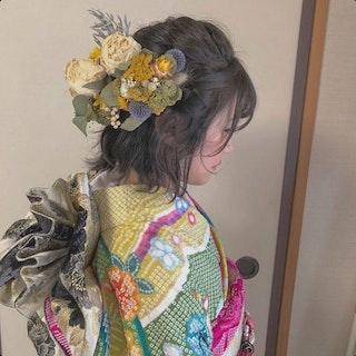 【成人式】くすみカラーのヘアアクセ