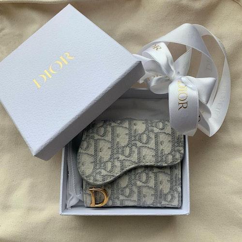 ガーリー×ミニ財布