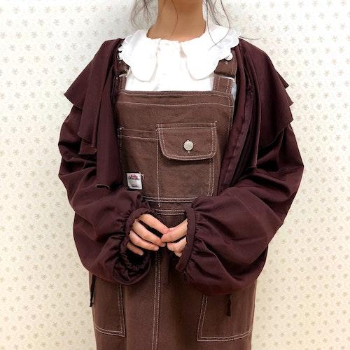 さくらんぼ刺繍ブラウス ¥4,990 カジュアルサロペジャンスカ(ブラウン) ¥4,990 バイカラーリボンバレエシューズ Coming Soon